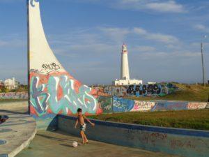 URUGUAY: Streetart, Surfspot and a fancy Lighthouse – La Paloma