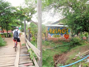 LAOS: Toilet Streetart and Loo Graffiti – 4000 Islands