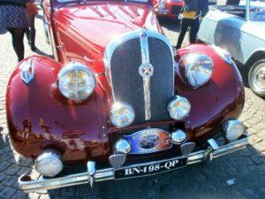 FRANCE: Paris – Exquisit Oldtimer Car Parade
